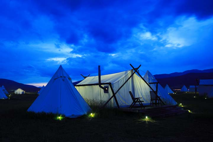 deluxe-w-tipi-4